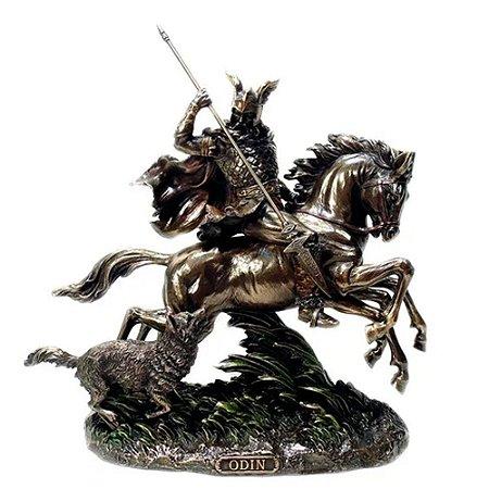 Estatua Odin No Cavalo