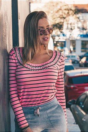 Blusa Listrada rosa bordada