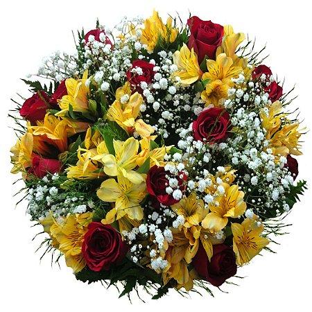 Buquê com 12 Rosas Nacionais Vermelhas e Mix de Astromélias amarelas