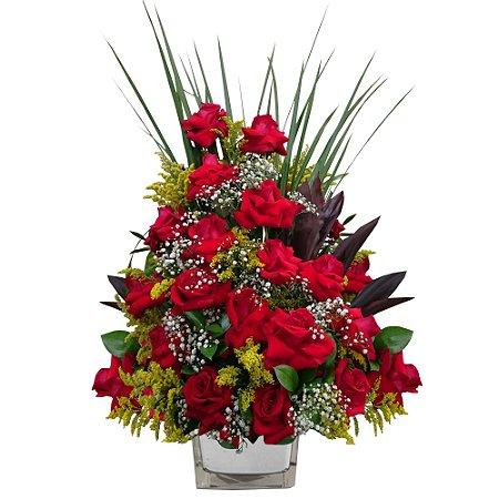 Arranjo com 18 Rosas Vermelhas Colombianas no Vaso de Vidro