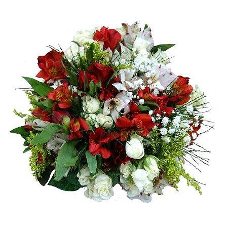 Buquê com Rosas Brancas e Astromélias