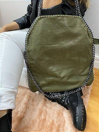Bolsa sacola feminina Estela Verde Militar com correntes grande