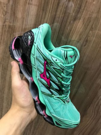 Tênis mizuno Wave Prophecy 7  Verde com Rosa Importado + Brinde G-Shock