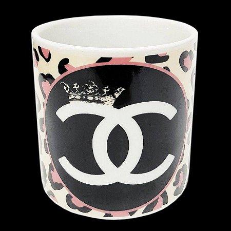 Caneca Porcelana Personalizada Chanel 300 ml Diva Onça Poderosa Rainha Presente Aniversario Eventos Lembrancinha