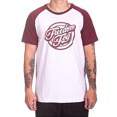 Camiseta Freedom Fog - Raglan Branca/Vinho