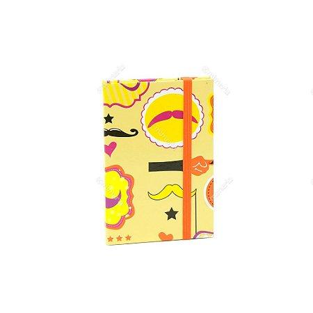 Caderninho Capa Dura com Elástico Bigode