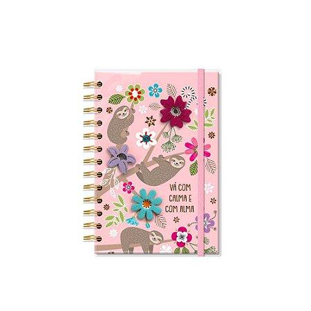 Caderno Médio Decorado com Aplique Bicho-Preguiça