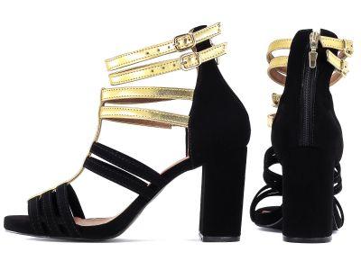Sandália Femenina   Fechamento nas  cores preto e ouro light
