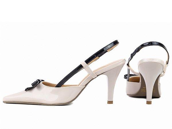 Sapato Scarpin Off White e Preto