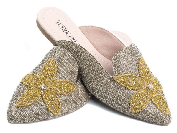 Sapato Mule    Brilho na cor Dourado