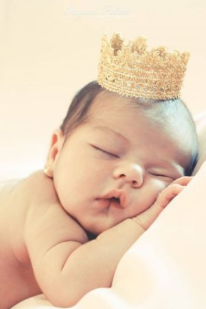 Coroa Dourada para Newborn