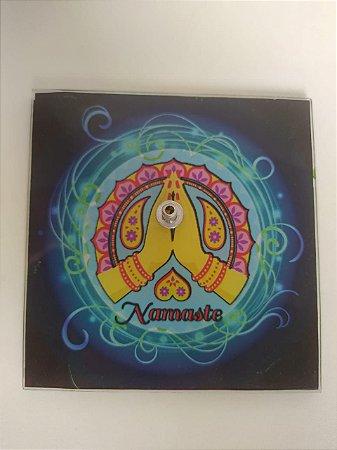 Incensário Vidro Namastê