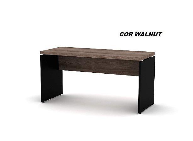 Mesa em madeira sem gavetas tampo engrossado de 40mm/15mm laterais de 25mm de espessura linha PE40 marca Pandin