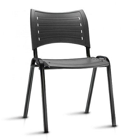 Cadeira Fixa Estrutura em metal tubo oblongo assento e encosto em plástico de alta resistência modelo ISO