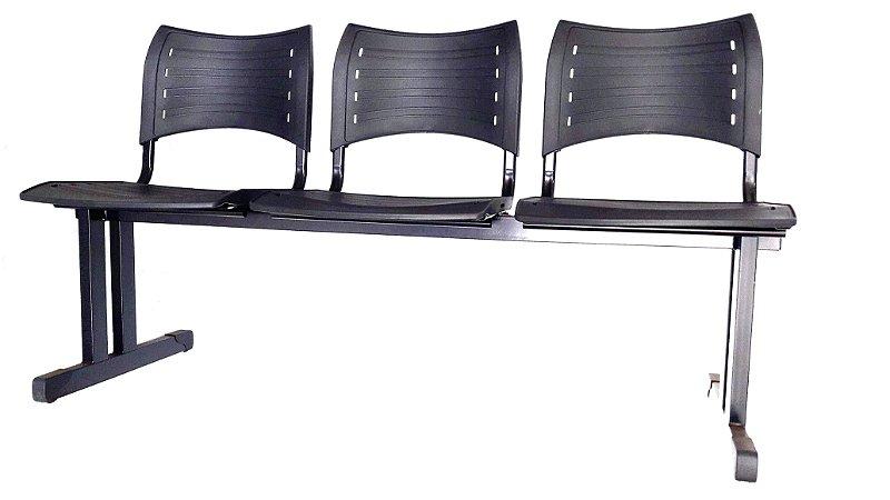 Longarina para sala de espera ou recepção 3 lugares estrutura em metal duplo assento e encosto em plástico de alta resistência cor preto