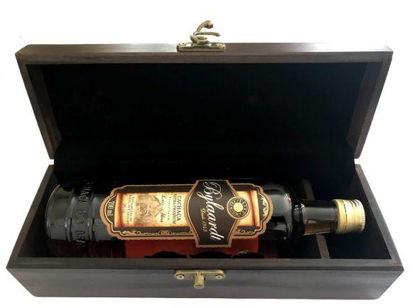 Cachaça Bylaardt Extra Premium 18 anos na caixa de madeira 700ml