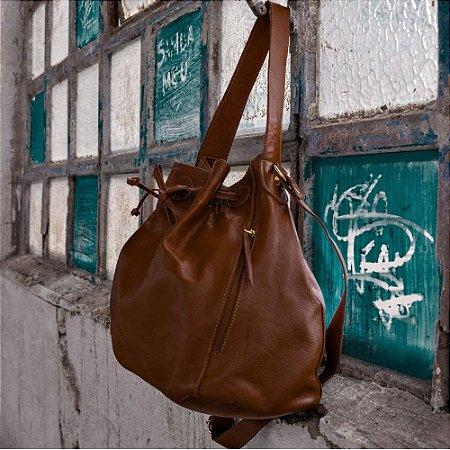 27c280999 Bolsa de ombro saco caramelo couro legítimo - Betânia couros