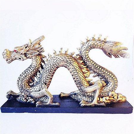 Estátua Dragão Chinês Voador com Olhos Swarovski Vermelho
