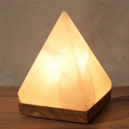 Luminária Pirâmide de Sal Rosa do Himalaia
