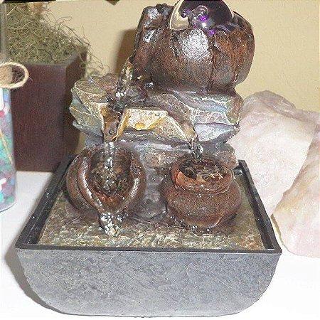Fonte Decorativa de Água em Chafariz Vasos do Trabalho