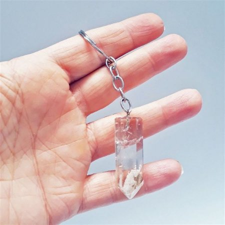 Quartzo com Lodolita - Chaveiro de Pedra (Quartzo Cristal com Lodolita)