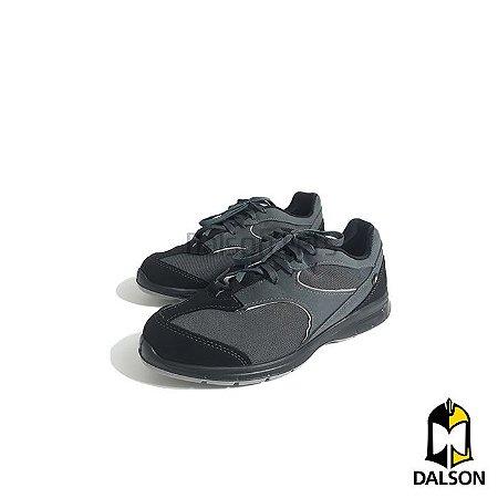 Tênis de amarrar acolchoado - Preto com solado cinza