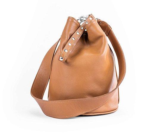 2663346d04 Bolsa Saco Bucket Annie em Couro Natural Legítimo Caramelo - Lamh ...