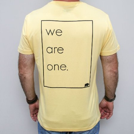 Camiseta Slim We Are One Amarela