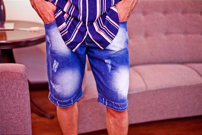 Bermuda jeans com detalhes xadrez