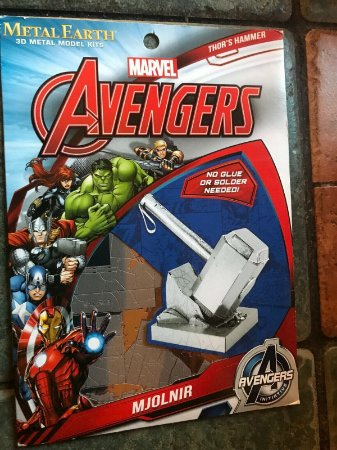 Metal Earth Marvel Martelo Thor - Beek