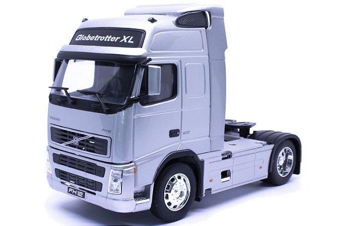 Caminhão Volvo FH12 Prata - Welly 1:32