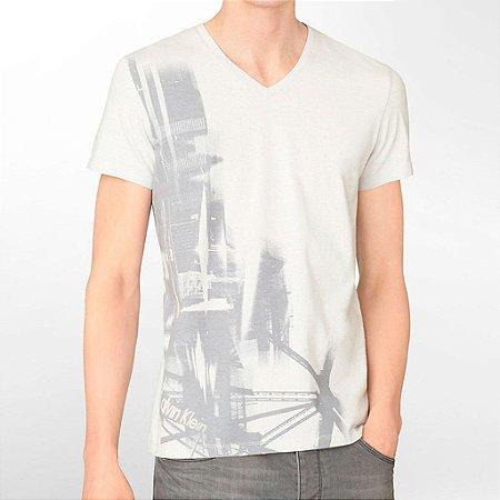 Camiseta Calvin Klein Masculina Abstract Graphic V Neck Tee - Concrete Grey