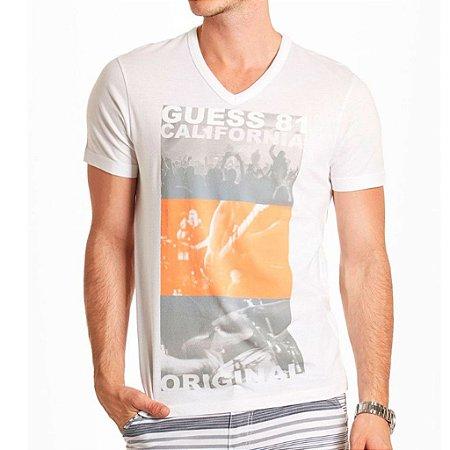 Camiseta Guess Masculina Kieran Print V-Neck - True White