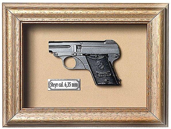 Quadro de Arma Resina Steyr 6,35 - Clássico