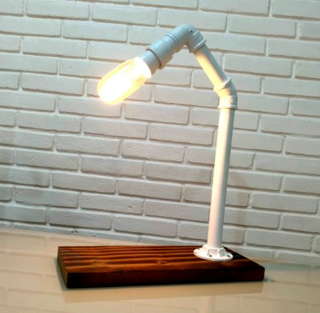 Luminária de Mesa Estilo Industrial
