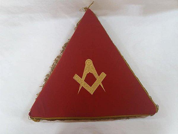 Almofada em veludo triangulo bordada