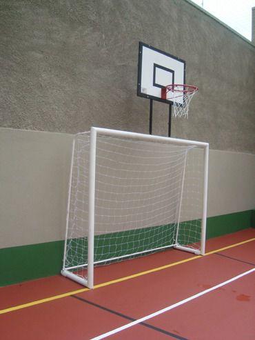 Trave de futsal 2,50m x 2,00m x 0,60cm conjugada com tabela de basquete 1,10 x 0,80