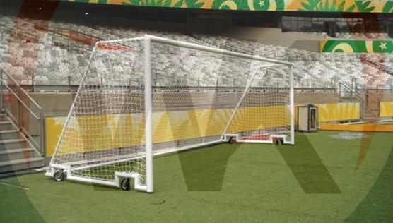 Trave de futebol de campo com rodinhas 7,32 x 2,44 mt