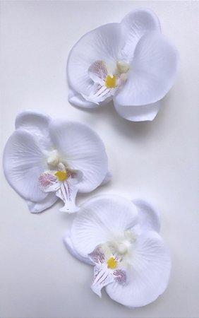 Kit com 3 presilhas de orquídeas brancas
