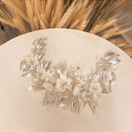 Pente flores folhas e cristais