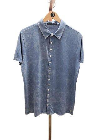 Camisa manga curta azul marmorizado