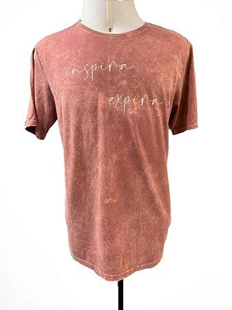 T-shirt masculina Inspira Expira rosa marmo