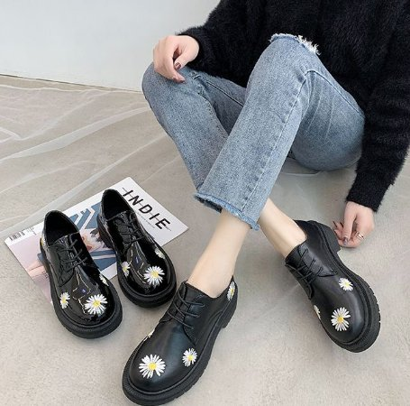 Sapato de Couro DAISIES - Fosco & Envernizado