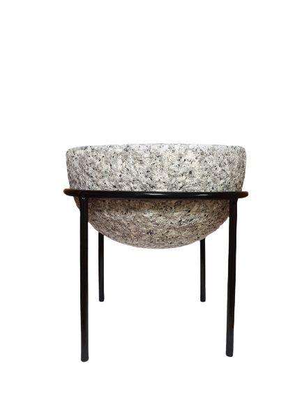 Cachepot em Ceramica com suporte em metal M