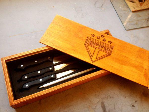 Faqueiro / Amol. c4 Peças + Caixa de madeira Personalizada - São Paulo