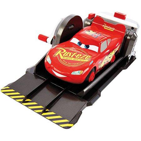 Lançador Manobras Incríveis  Ralâmpago McQueen Da Mattel