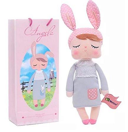Brinquedo Boneca Pelucia Angela Classica Cinza 33cm Metoo