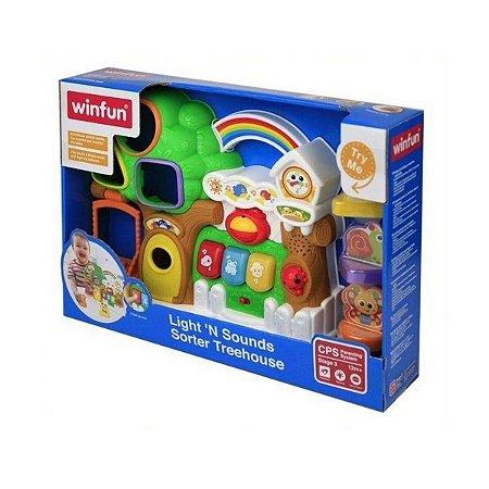 Brinquedo WinFun Casinha da Árvore Com Luz e Som  0786
