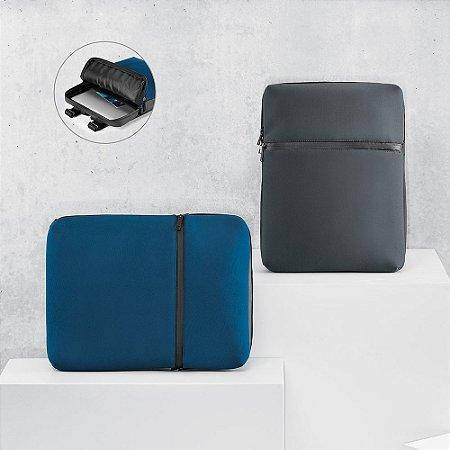 A URBAN é uma mochila versátil em soft shell de alta densidade e tarpaulin