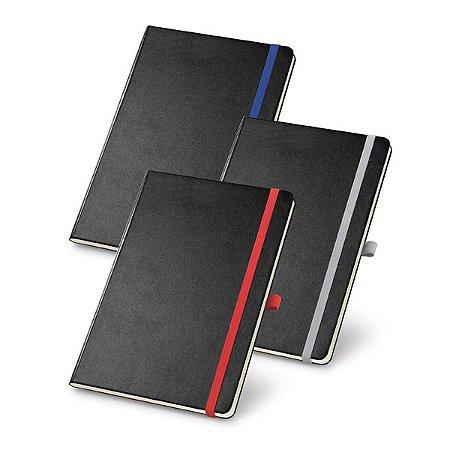 Caderno capa dura. Com porta esferográfica, bolso interior e 80 folhas pautadas cor marfim. 137 x 210 mm